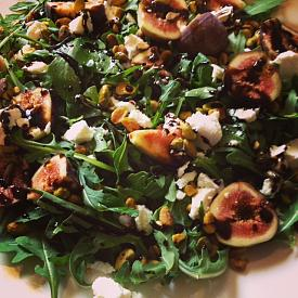Arugula figs salad pistachios-photo-2-11.jpg