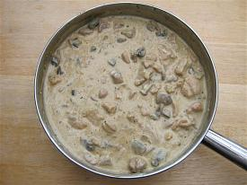 Pete's Recipe Book-chicken-stroganof-2-small-.jpg