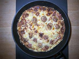 Pete's Recipe Book-sausage-bacon-omlette-3-small-.jpg