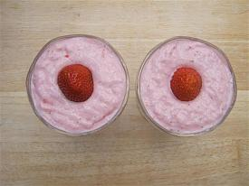 Pete's Recipe Book-strawberry-yogurt-small-.jpg