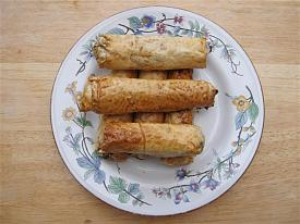 Pete's Recipe Book-spring-roll-3-small-.jpg