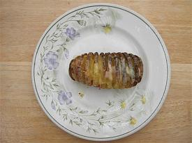Pete's Recipe Book-hassleback-potato-small-.jpg