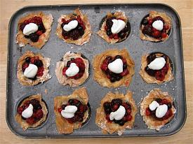 Pete's Recipe Book-filo-fruit-pies-small-.jpg