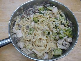 Pete's Recipe Book-chicken-alfredo-small-.jpg